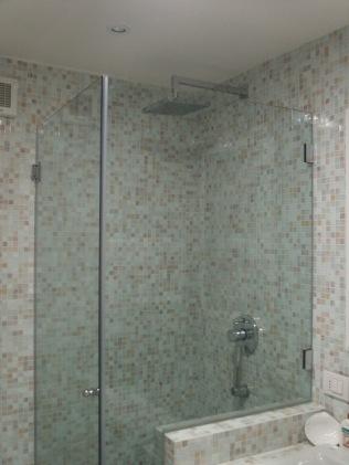 cabina doccia con parapetto