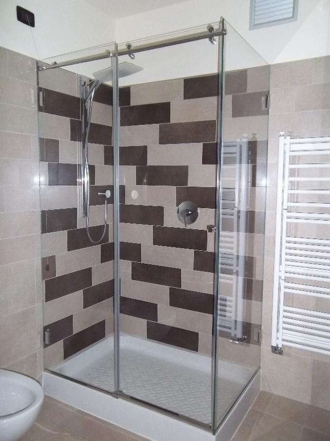 box doccia trasparente senza profili