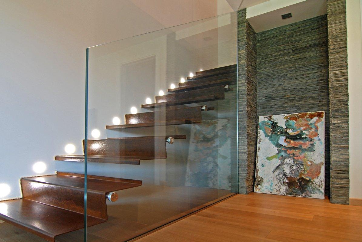 Parapetti in vetro per scale vetraria gelfi bergamo - Corrimano in vetro per scale ...
