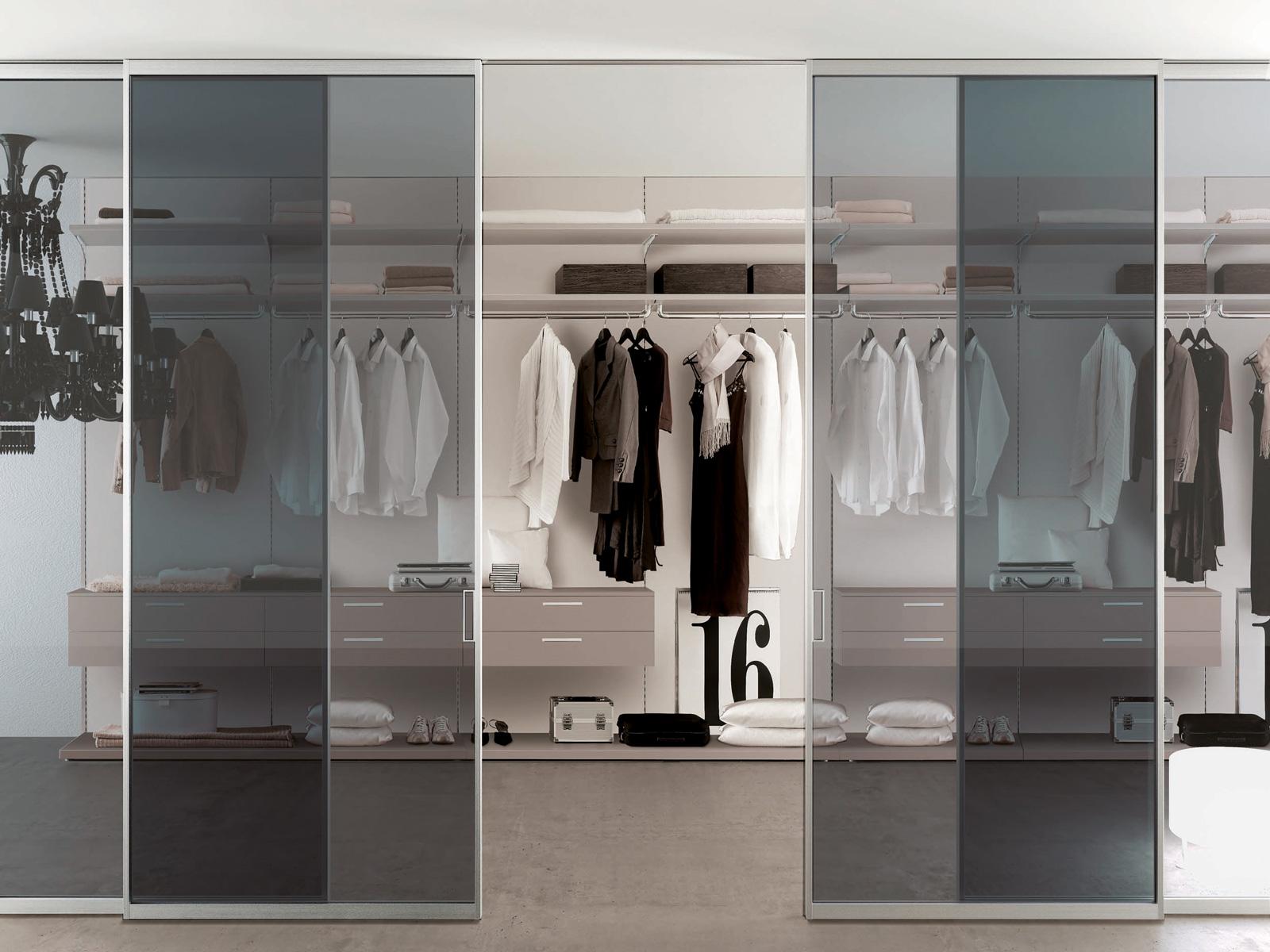 porte in vetro temperato grigio e divisoria