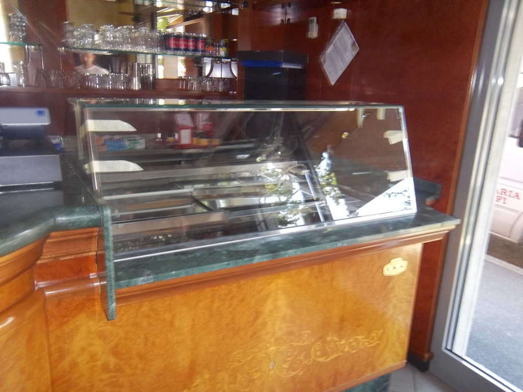 manutenzione vetri bar