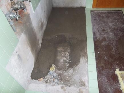 preparazione per il piatto doccia