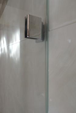 sostituzione di una vasca con un box doccia in vetro