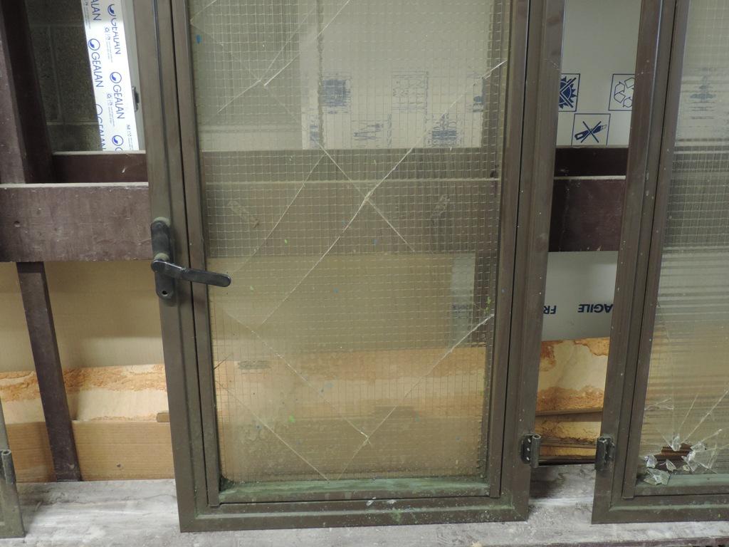 vetri retinati da sostituire in serramenti in alluminio