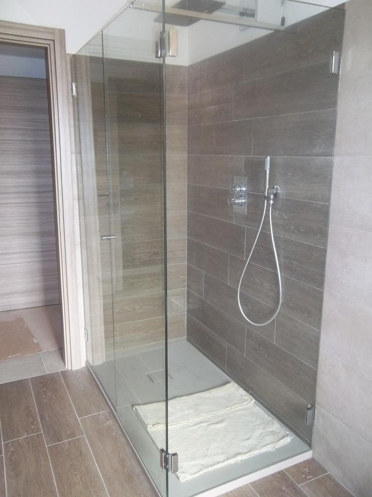 box doccia in vetro con trattamento anticalcare