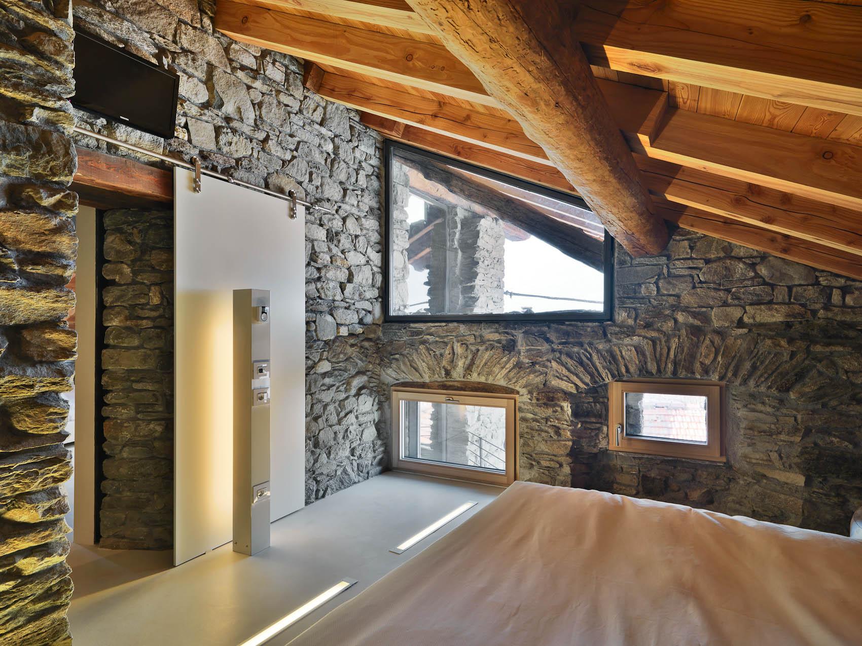 finestra in legno lamellare