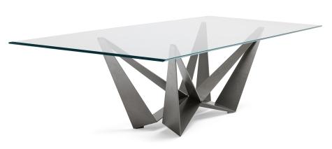 riga su tavolo in vetro