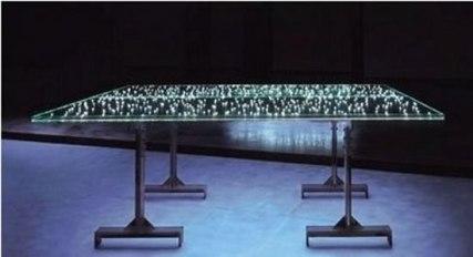 tavolo in  vetro illuminato con i led