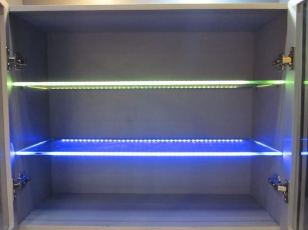 Mensole In Vetro Con Led.Mensole In Vetro Illuminate Al Led Vetraria Gelfi Bergamo