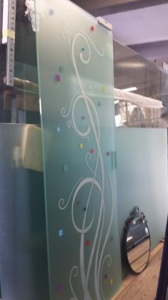 porta in vetro scorrevole in laboratorio