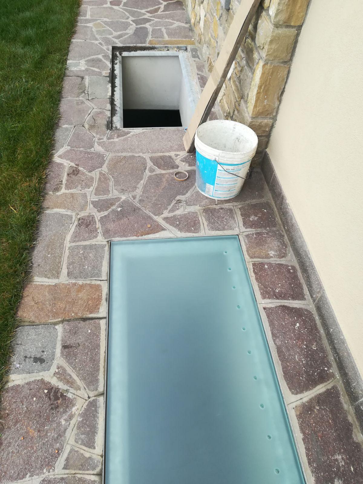 Pavimenti In Vetro Per Esterni vetro calpestabile antiscivolo – vetraria gelfi bergamo