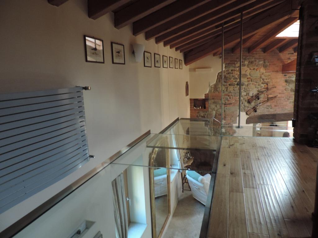 Pavimenti In Vetro Per Esterni soppalco in vetro calpestabile e parapetti in vetro