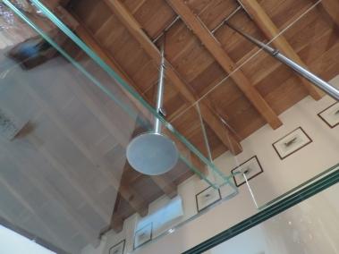 fissaggio al tetto della pensilina in vetro