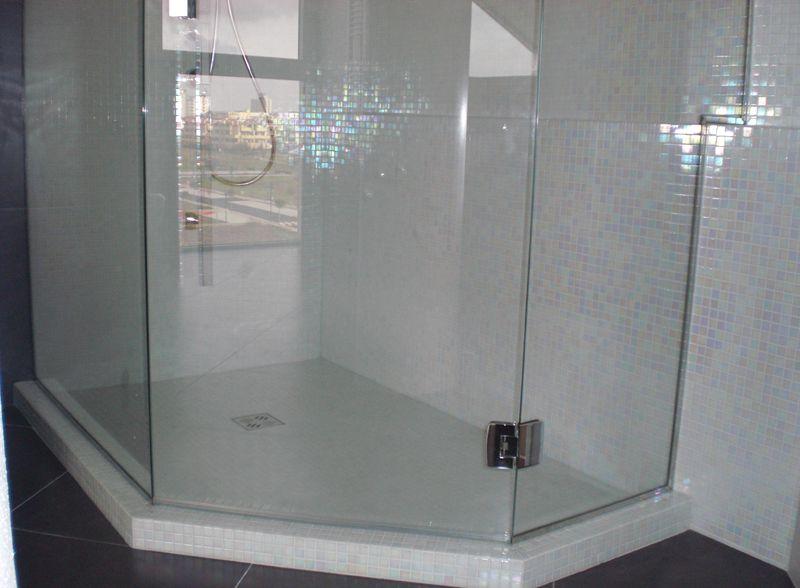box doccia in vetro con porta battente