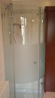 vetro curvo per box doccia
