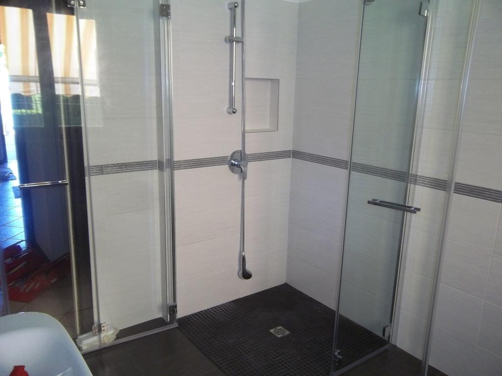 box doccia in vetro con due porte impacchettabili