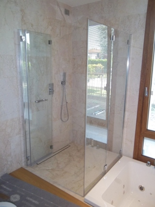 box doccia in vetro per disabile a soffietto