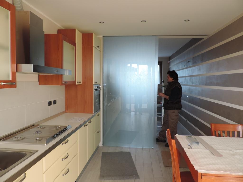 Cucina Con Vetrata Scorrevole porta divisoria in vetro decorato scorrevole – vetraria