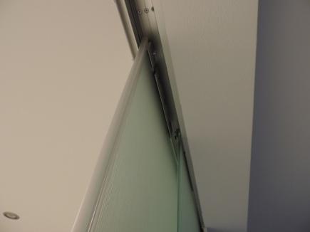 guide in alluminio dentro il controsoffitto