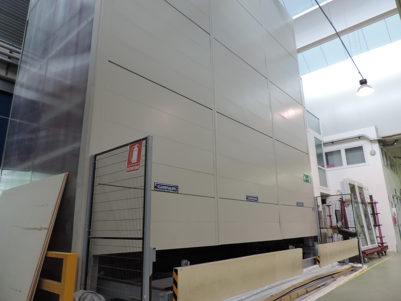 magazzino in verticale per le barre in Pvc