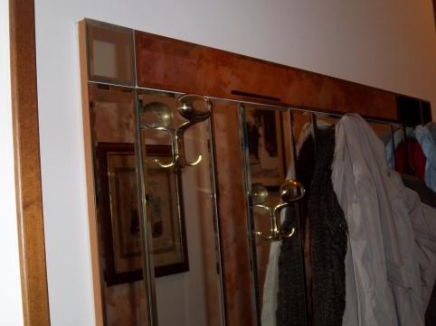 specchio con appendiabiti