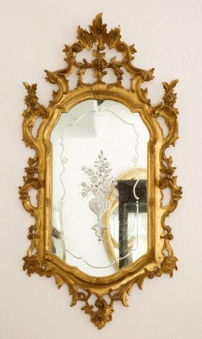 specchio inciso in cornice antica