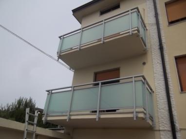 balconi in alluminio vetro finiti