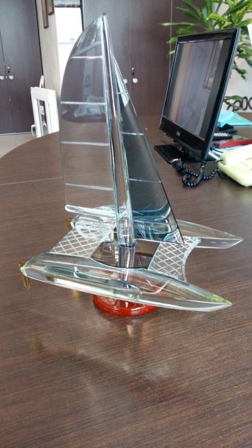 catamarano in vetro