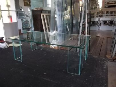 tavolo tutto vetro con saldatura a raggi UV