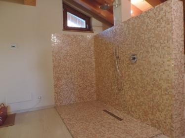 vano doccia di 2150 mm di lunghezza 1150 di larghezza e 1800 di altezza