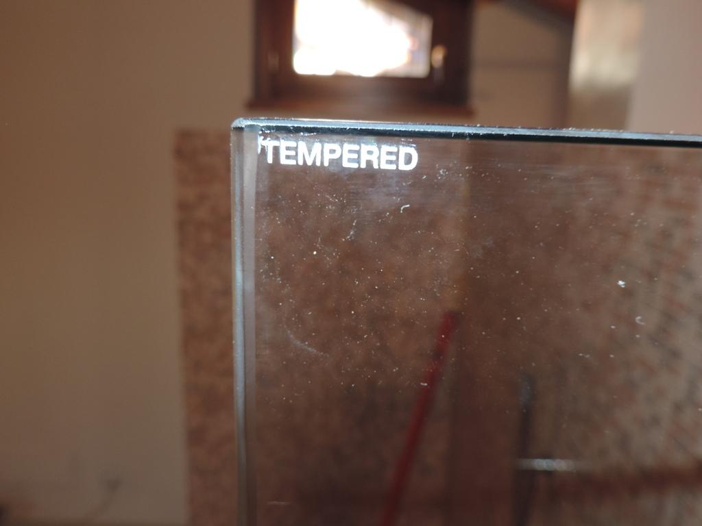 marchio a certificazione del vetro temperato