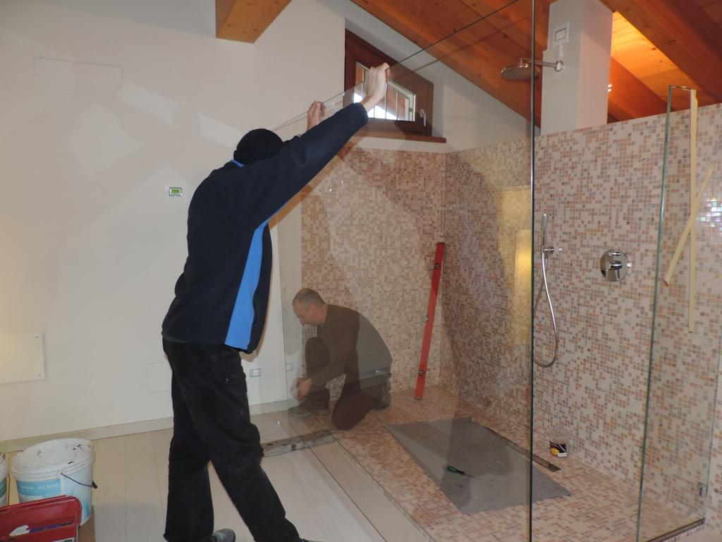 posa del vetro grande del box doccia solo vetro fisso senza porta