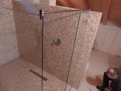 fissaggio della parete in vetro lunga