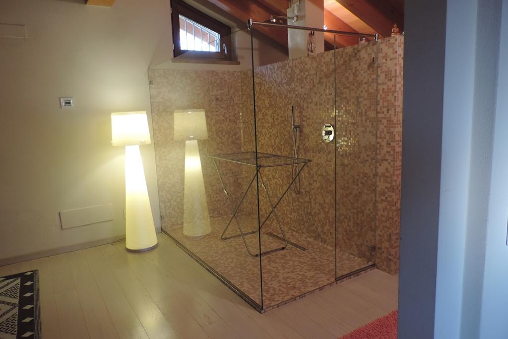 box doccia senza porta solo vetro fisso per stendere la biancheria
