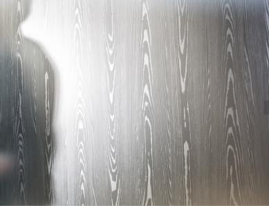 satinatura sul vetro a imitazione legno