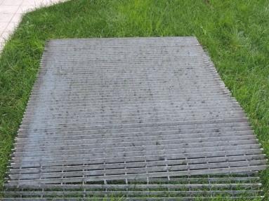 griglia in ferro zincato rimossa