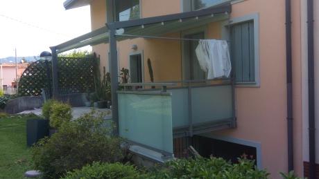 """ringhiera alluminio vetro ad """"L"""" completata"""