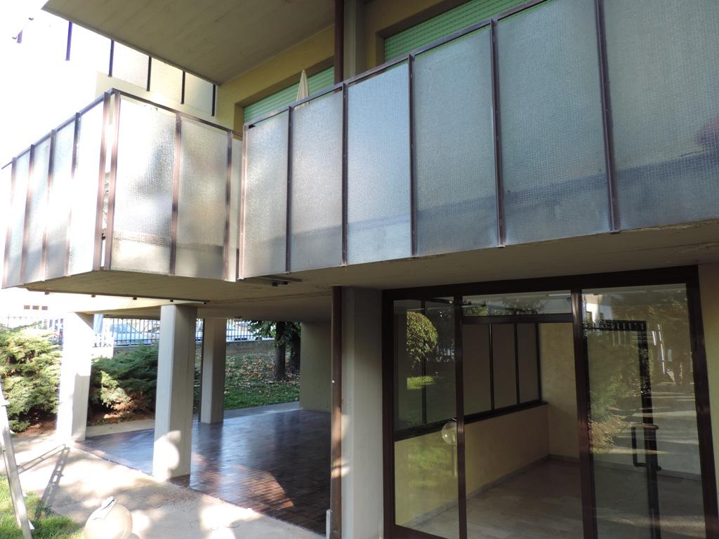 vetri retinati per balconi e terrazze