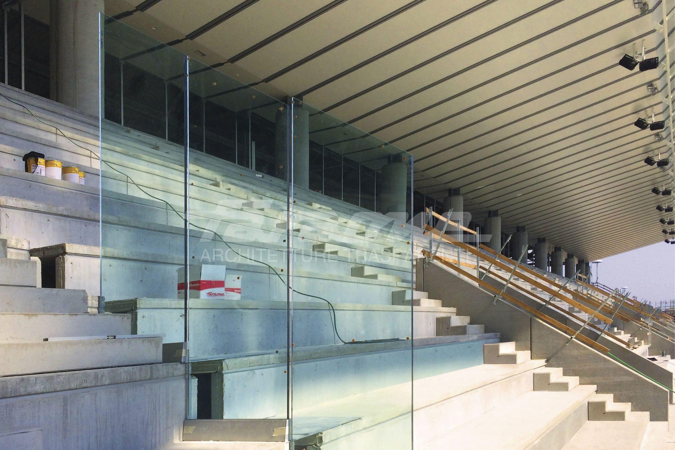 divisoria per tifoseria allo stadio