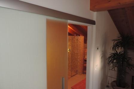 vista laterale della porta