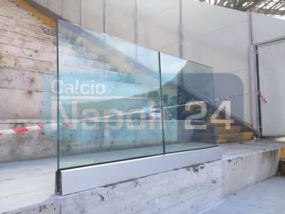 campionatura paratpetto in vetro stadio  Napoli