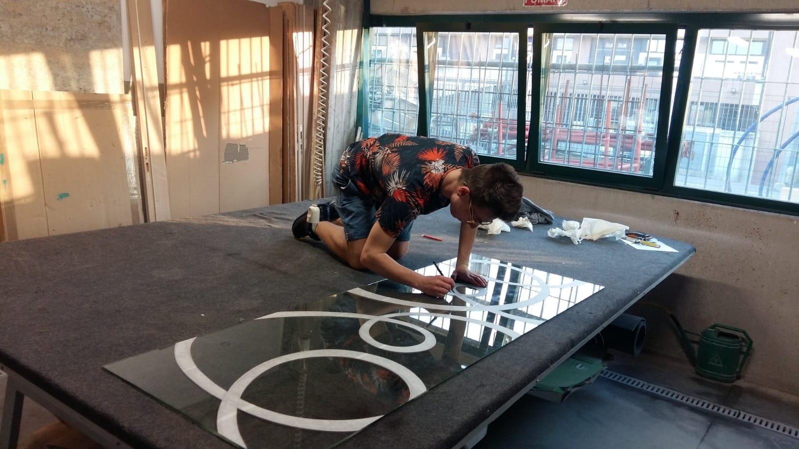 Parete Ferro E Vetro vetri decorati su disegno – vetraria gelfi bergamo