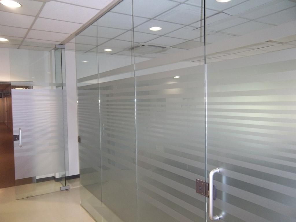 parete divisoria in vetro