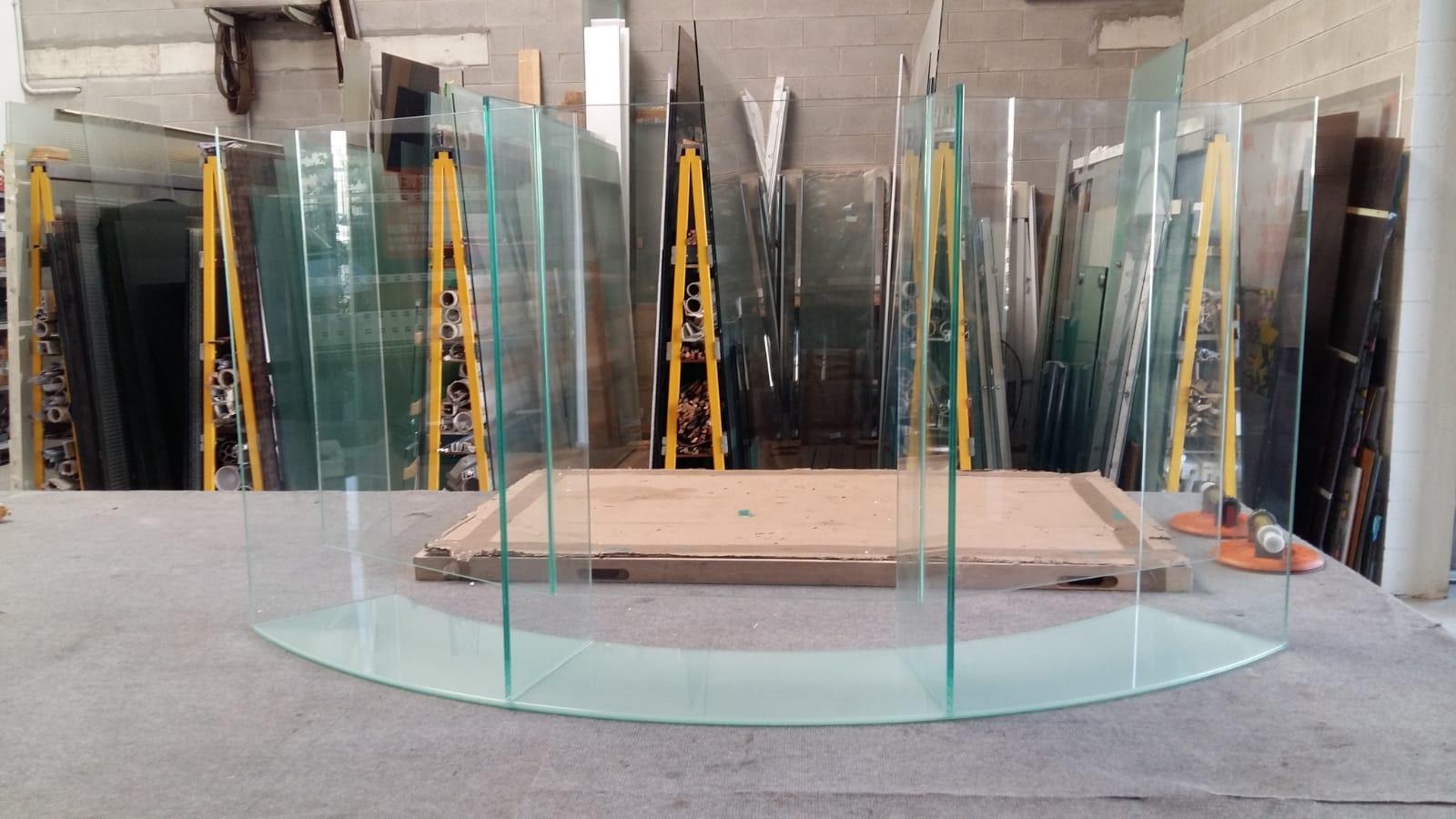 Divisori In Plexiglass Per Esterni pannelli divisori in vetro per scrivania – vetraria gelfi
